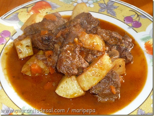 Version original goulash h ngaro vs guiso de cerdo o for Cocinar ternera